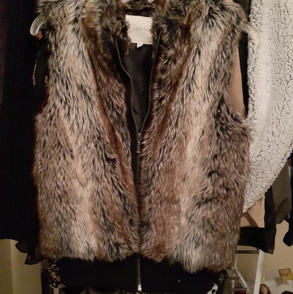 Copper Key Jackets & Blazers - Faux fur vest